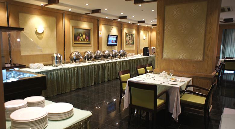 Al Muntazah Plaza - Restaurant